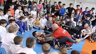 Легендарный боец смешанных единоборств Джефф Монсон провел в Красногорске мастер-классы