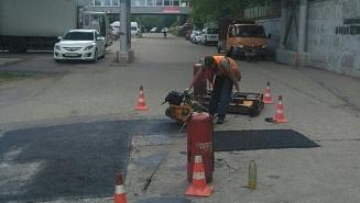 Глава Красногорска Радий Хабиров взял на контроль ямочный ремонт дорог в округе